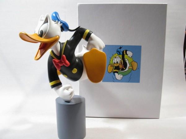 Kunstharzfigur Donald Duck auf Sockel Fa. Leblon resin 36 cm groß